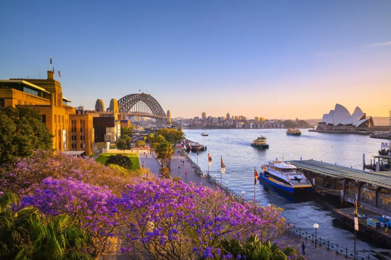 Explore the bustling city of Sydney, NSW